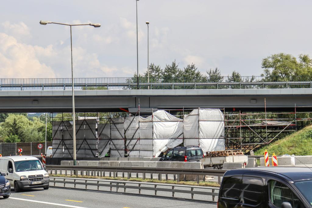 zakopiańska-wiadukt (3).jpg-Remont wiaduktu na ul. Zakopiańskiej zakończy się szybciej