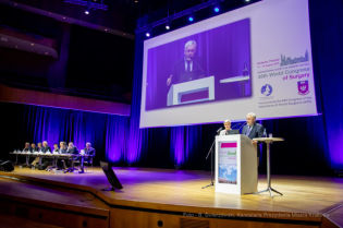 Surgeons from around the world met in Krakow