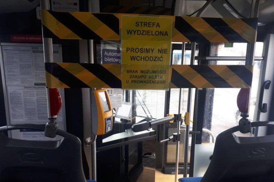 Częstsze kursy i 70 autobusów więcej w ruchu